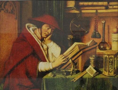 Detalle del Santo en su estudio. Con capello de cardenal. Reproducción de una tabla flamenca que se conserva en la Parroquia de Bagnoregio, Italia, su ciudad natal.