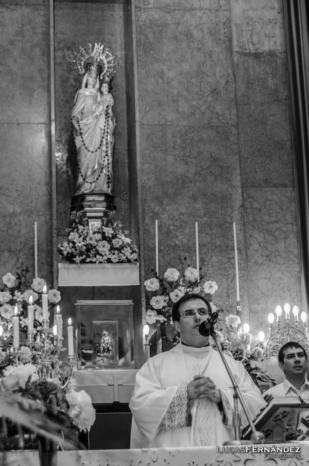Parroquia Nuestra Señora del Rosario, Piñeiro, Avellaneda. Comunidad del P. Fernando Abraham, Jesús pan de vida.